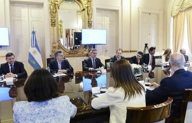 Excepto San Luis, las provincias firmaron — Pacto fiscal