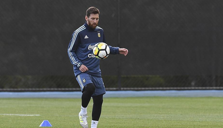 La Selección argentina entrenó ante más de 15 mil chicos