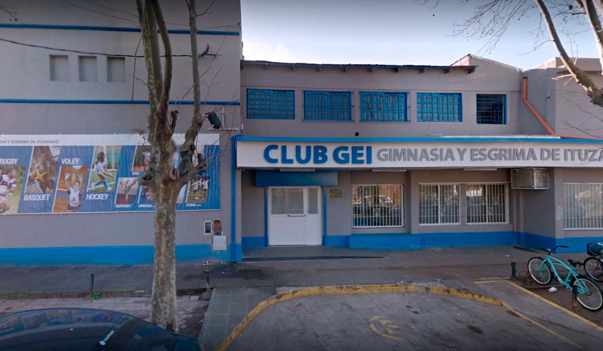 Boqueteros roban 2 millones de pesos en un club de barrio — Ituzaingó