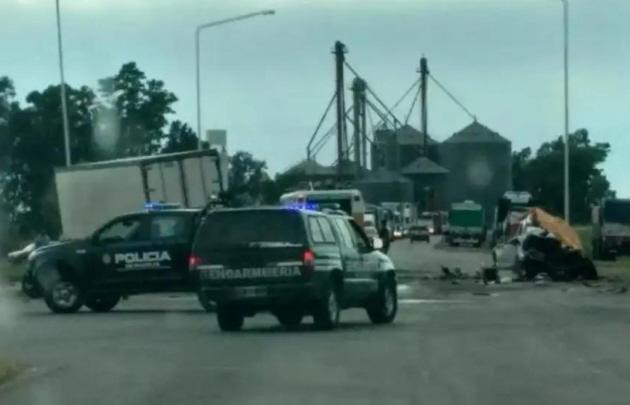 Tres muertos al chocar una 4x4 con un camión