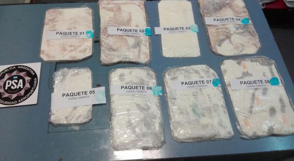 Detienen a ruso con 3 kilos de cocaína en Ezeiza