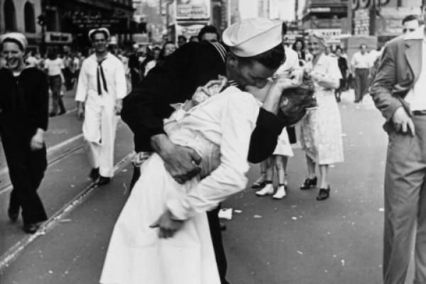 Hoy 13 de abril es el Día Internacional del Beso