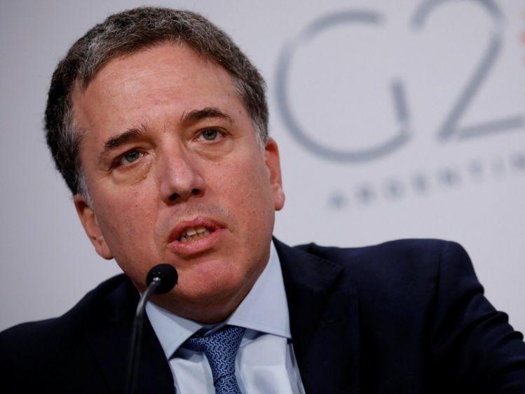 Dujovne reconoce que Argentina tendrá más inflación y menos crecimiento